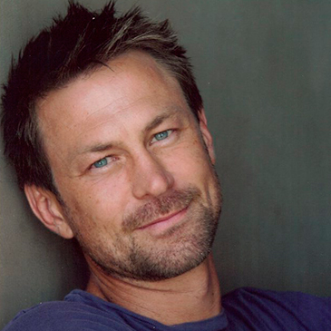 Grant Bowler wife