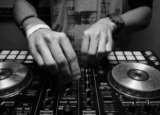 Beats & Bites with DJ Jordan