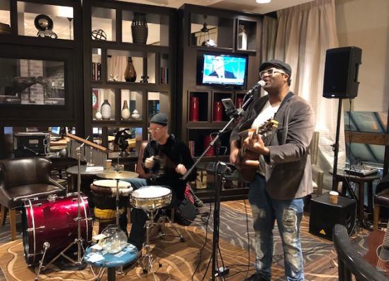 Live Music - Mojo Band