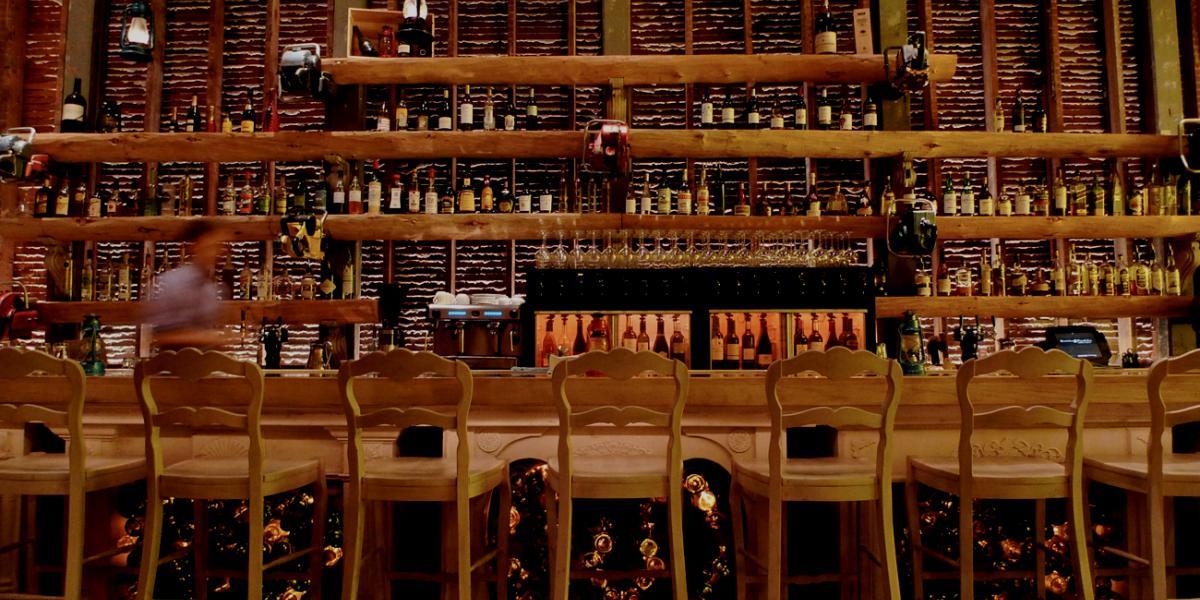 The bar at Beatrice & Woodsley