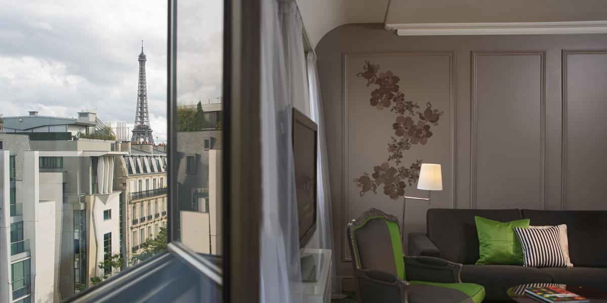 ffdd491bcf Guestroom with an Eiffel Tower View