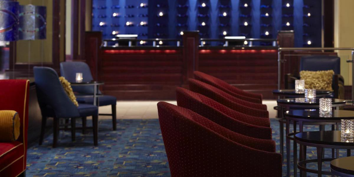 Bar Lounge Mobel ~ Renaissance mobile riverview plaza hotel discover