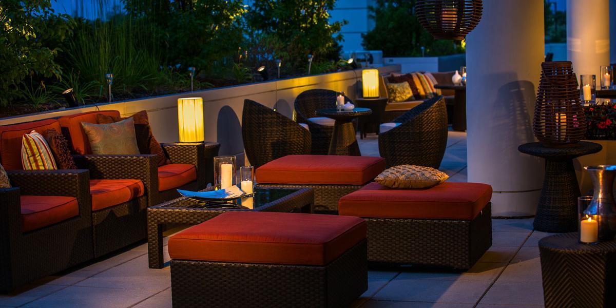 Renaissance schaumburg convention center hotel discover for The terrace lounge menu