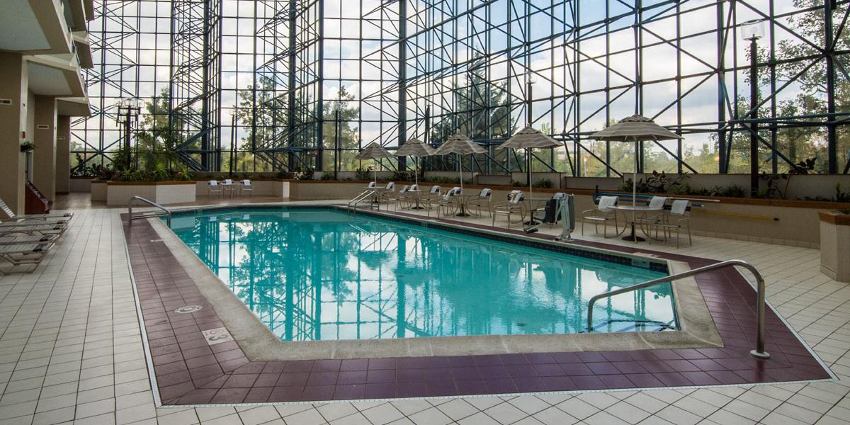 Renaissance philadelphia airport hotel discover renaissance hotels for Swimming pools in philadelphia pa