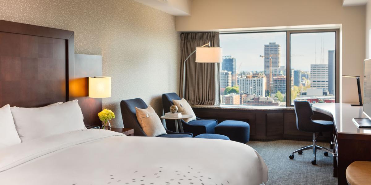 Guestroom Renaissance Seattle Hotel Discover Renaissance